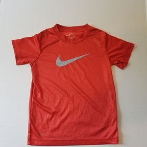 Nike youth shirt size 5